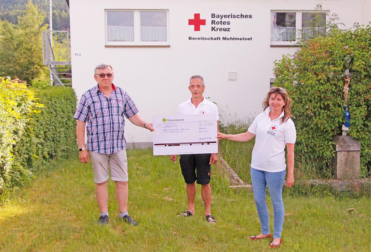 Großzügige Spende an ehrenamtliche Helfer in Mehlmeisel